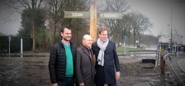 Knetterende opening bushalte Bergmaas/Tweehekkenweg